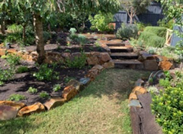 Bentleigh backyard rockwork